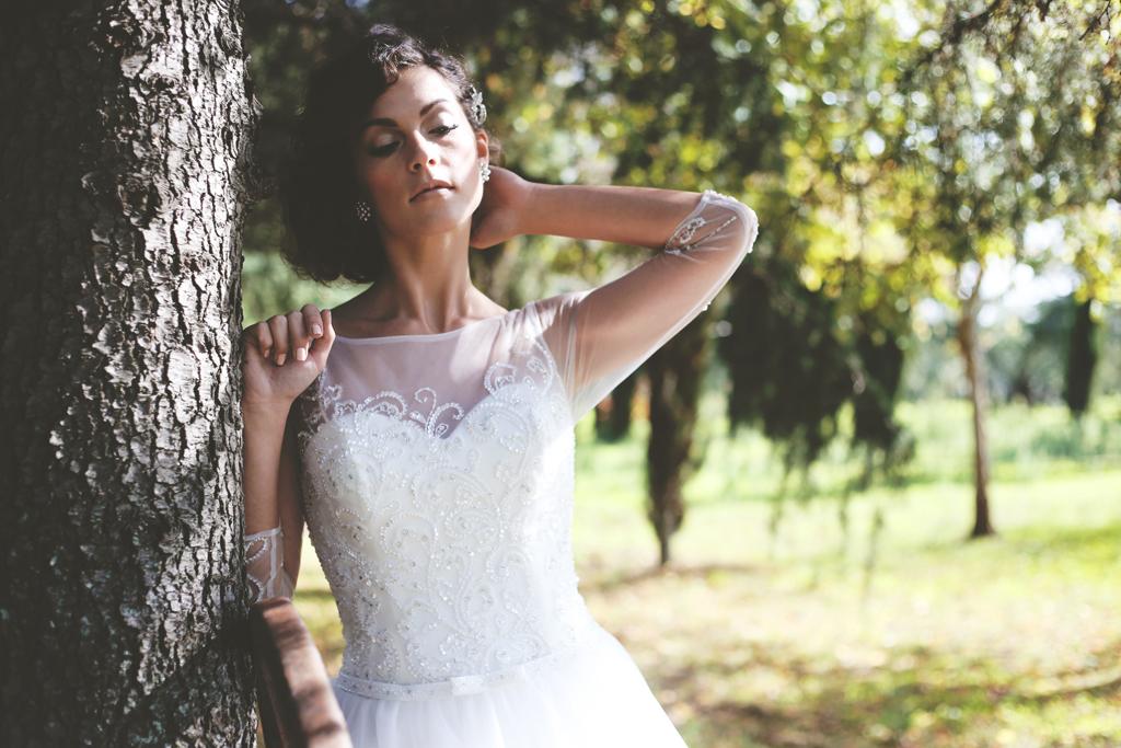 Abito da sposa con trasparenze